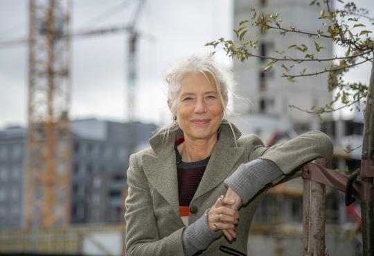 Mette Mogensen, Domea.dk, glæder sig over udsigten til de 184 nye boliger i Carlsberg Byen. Foto: Jacob Ljørring