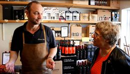 Trine Græse på besøg hos Bagsværd Vin