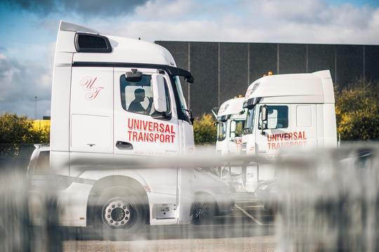 Billede af lastbil Universal transport