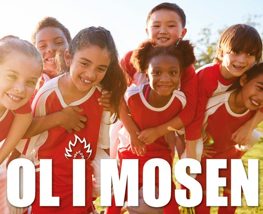 Glade børn i sportstøj samt teksten OL i Mosen