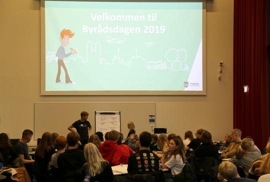 Eleverne fra alle skoler fremlagde deres ønsker til fællesskabende projekter til Byrådsdag for elevråd Foto Vivi Sjøner