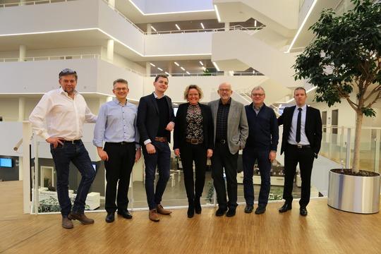 Landsdistriktsudvalget medlemmer var onsdag til byrådsmøde i Viborg Rådhus. Men faktisk vil de allerhelst mødes andre steder i kommunen. Udvalget består af (fra venstre) Johannes Vesterby (V, Martin Sanderhoff, næstformand (V), Peter Juhl (C), Mette Nielsen, formand (A), Elo Nielsen (F), Kurt Johansen (V). Kim Dongsgaard (V)
