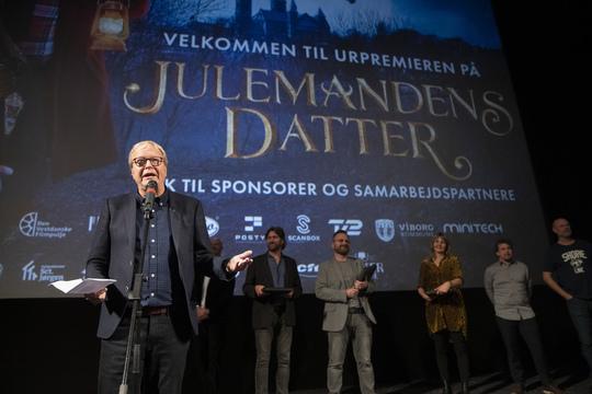 Borgmester Ulrik Wilbek takkede hele filmholdet. Foto Flemming Jeppesen.